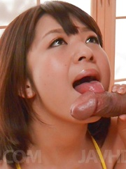 Wakaba Onoue licks dongs s fine and rubs it between jugs for cum