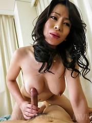 Rei Kitajima gets tongue on hairy labia and dick between them