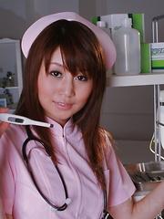 Hot Honami Isshiki shows her very nice tits