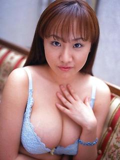 japanese adult model Ayami Sakurai