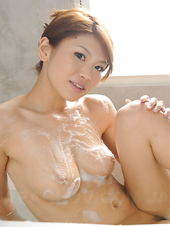 japanese adult model Runa Sesaki