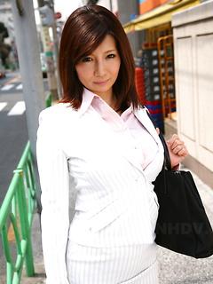 japanese adult model Sayuri Mikami